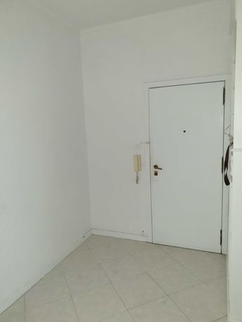 Apartamento T3+1 (António Nobre)