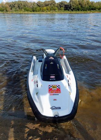 Skuter wodny Yamaha Wave Runner 700 z przyczepą