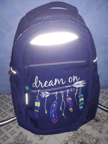 Рюкзак школьный T-23 Dream практически новый