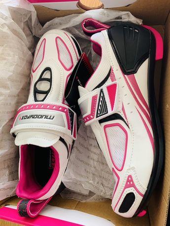Botas de ciclismo Muddyfox 38.5 NOVAS