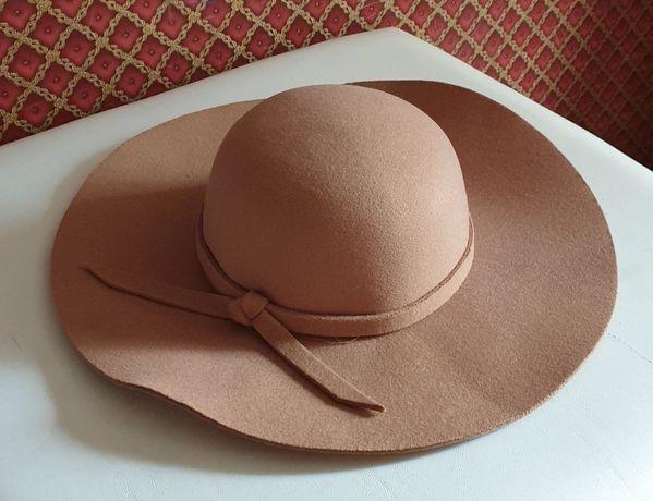 Новая теплая бежевая шляпа фетр беж