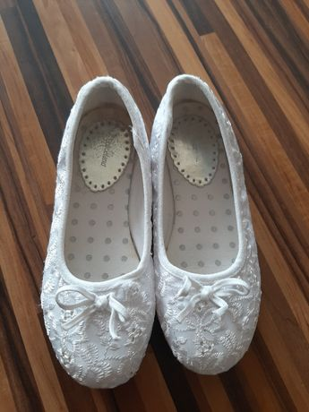Piękne białe Baleriny Graceland