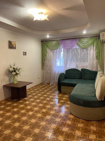 Посуточно 2 комнатную квартиру на пр.Кирова 84а (пр.Поля)