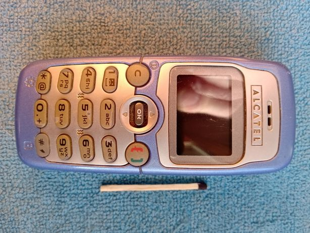 Oferuję ''zabytkowy i działający '' telefon Alcatel OT 332