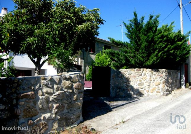 Moradia - 215 m² - T2
