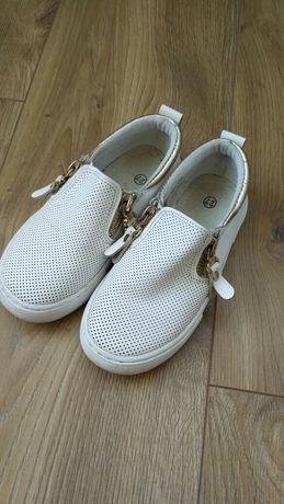 Обувь в школу, кроссовки,кеды, туфли 27 р