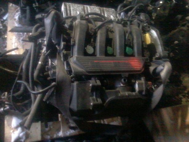Двигатель мотор двигун рено лагуна меган Laguna Megane 1.8 16V кпп