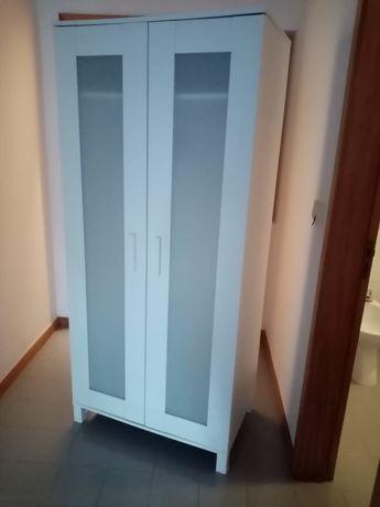 Armário IKEA usado, em bom estado
