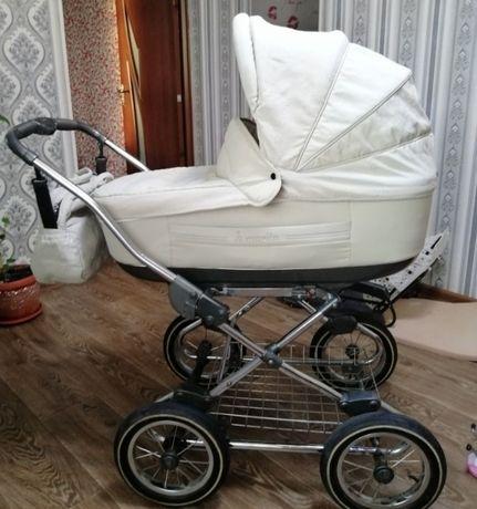 Шикарная коляска Roan Marita