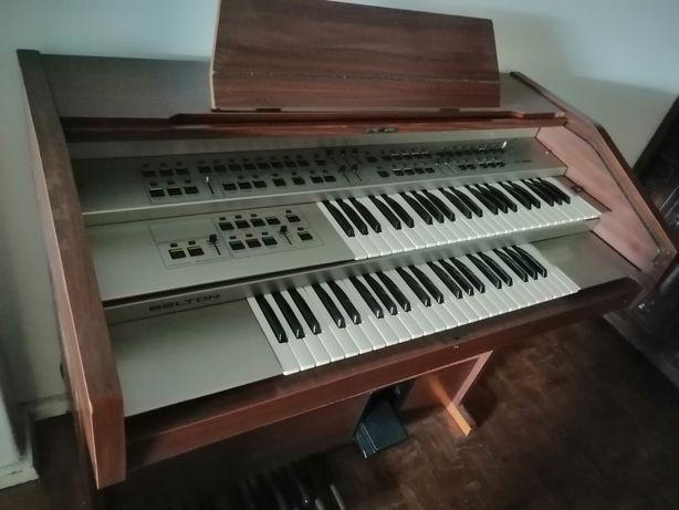 Piano usado em bom estado