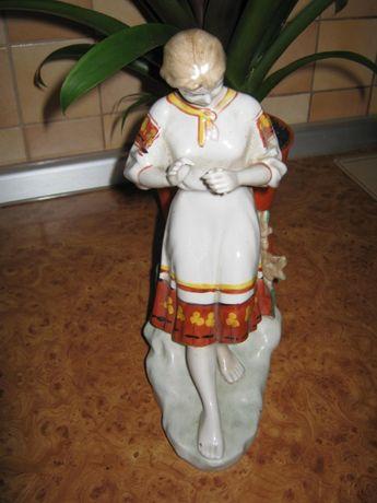 "Фарфоровая статуэтка ( фигурка) ,,Гадание на ромашке""."