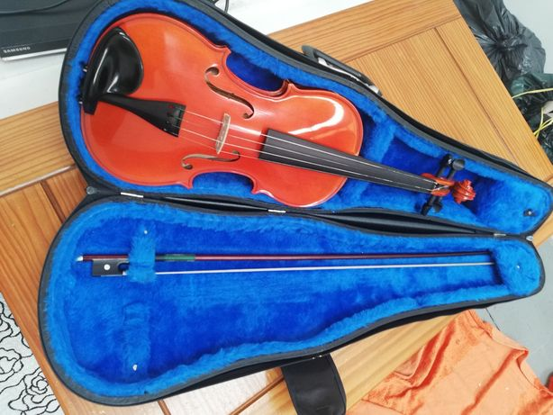 Violino Josef Jan Dvorak com mala transporte