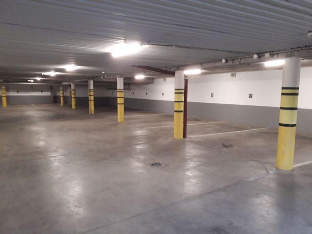 wynajmę miejsce garażowe