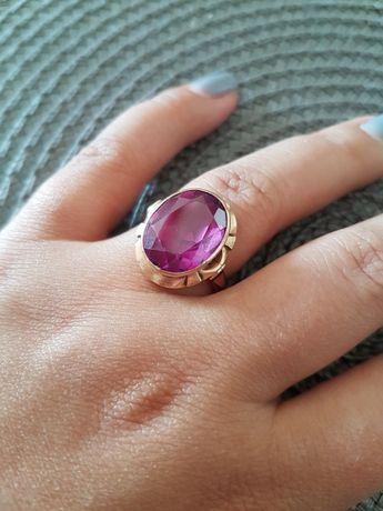 Złoty pierścionek z ametystem R20; 8.2 / złoto: 5,5 g - wycena jub.