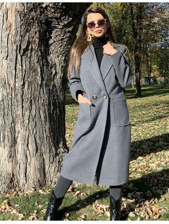 Продам пальто осінь.