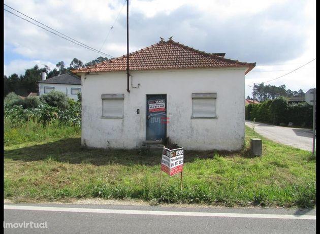 Moradia T2 para restauro, Casal Domingos João