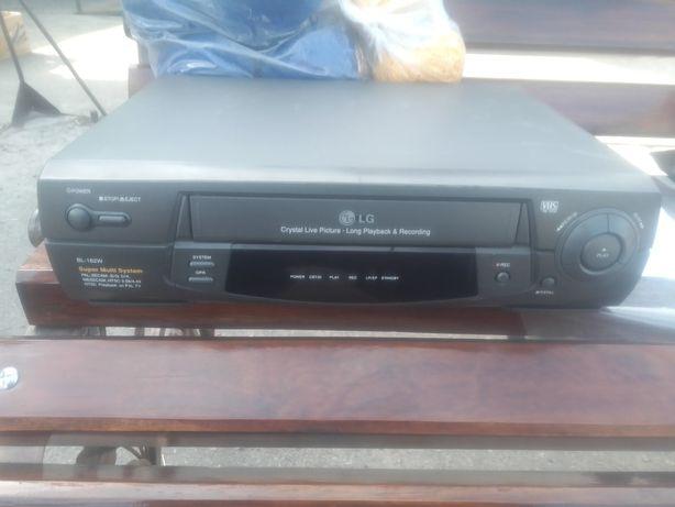 Продам Видеоплеер LG BL-162W