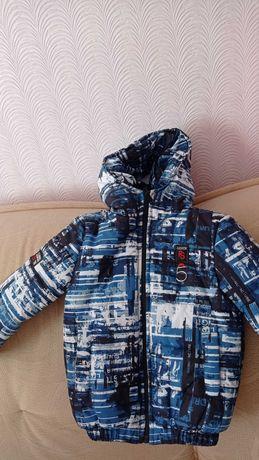Курточка на мальчика новая