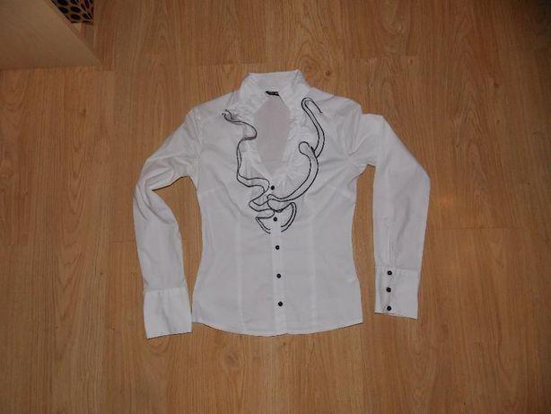 Biała damska koszula z żabotem rozmiar XS