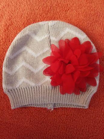 Продам шапочку на дівчинку