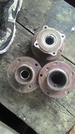 Полуось цапфа ступиця супорт БМВ е39 м51 м57 пружини тормозни диски