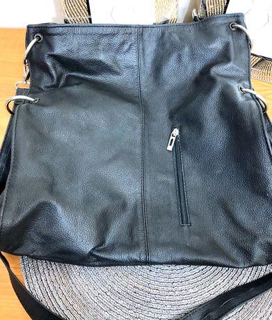Czarna torebka skórzana - listonoszka