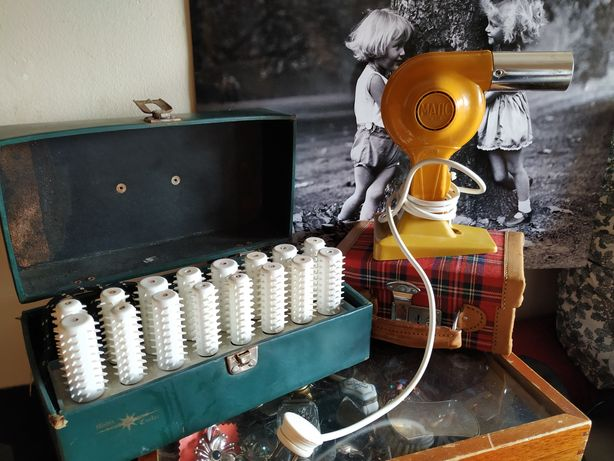 Secador vintage e estojo de  rolos quentes