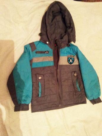 Курточки демисезонные и зимние.
