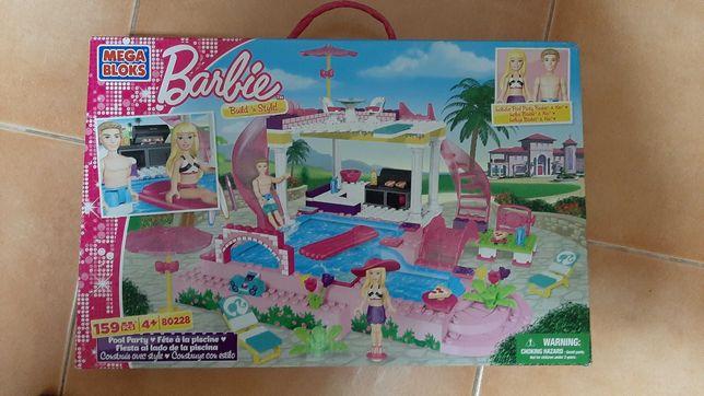 Festa na Piscina da Barbie- Mega Blocks
