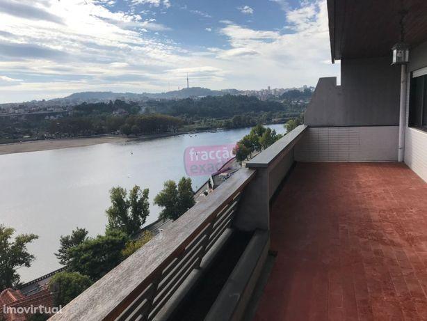 T3 com maravilhosa vista sobre o Rio Douro, varanda,