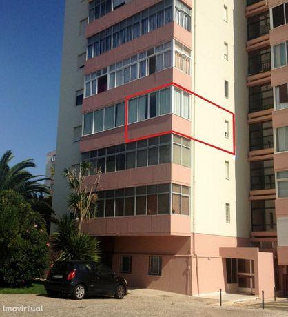 Apartamento T3, equipado e mobilado na Av. dos Maristas na Parede