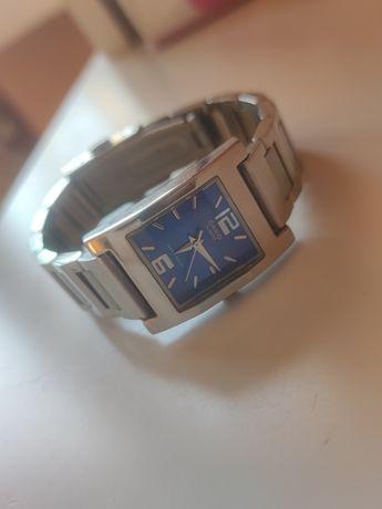 Zegarek Casio niebieski