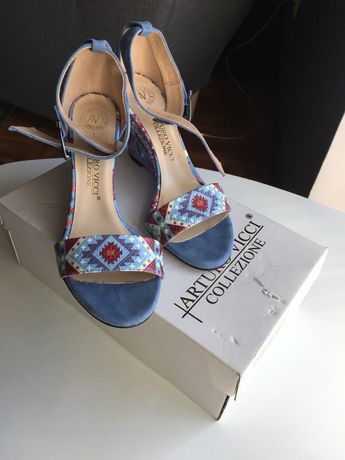 Sandałki Italy skóra 37