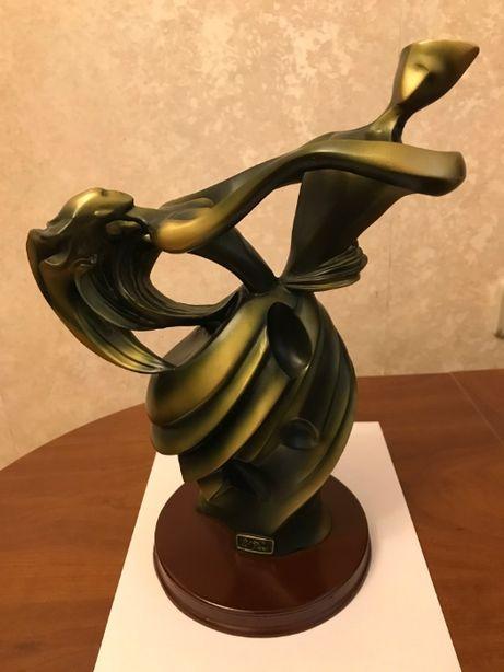 Статуэтка (металлическая высота 35 см)