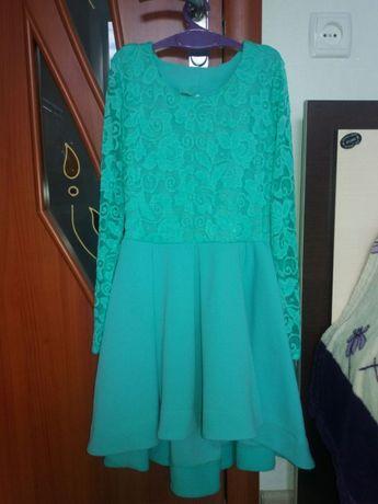 Гарна підліткова сукня