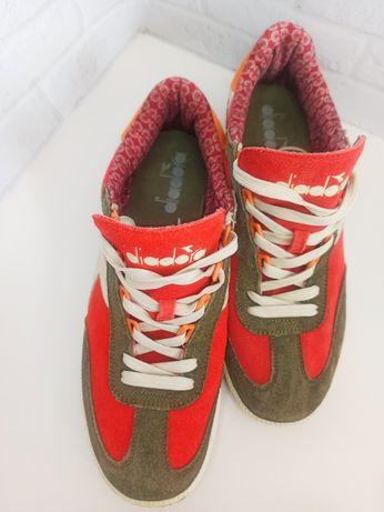 Замшевые качественные,размер 44-45удобные кросовки