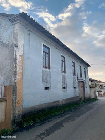Moradia para Reconstrução com anexo T1 pronto habitar, em Salreu