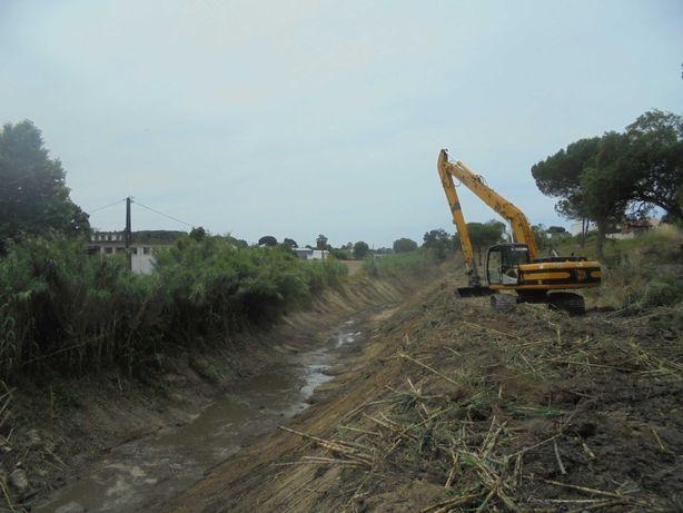 Venda Escavadora JCB 220 LR, Lança 15 metros