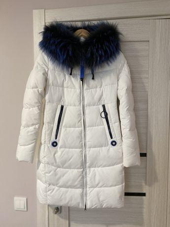 Зимова курточка розмір С
