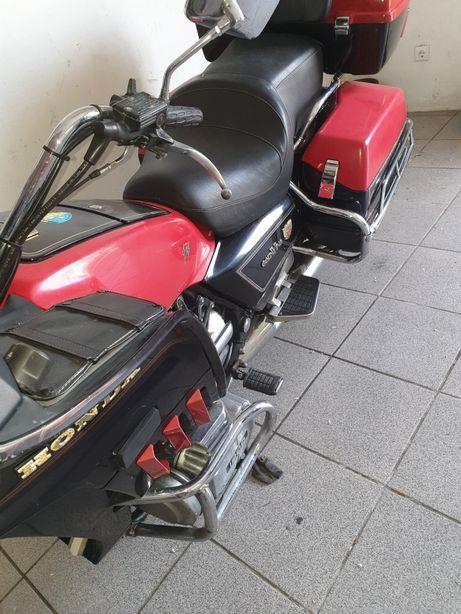 Vendo mota honda