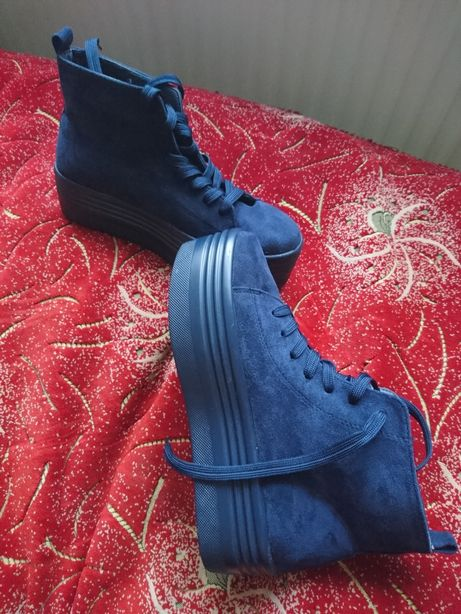 Продам осінні черевики