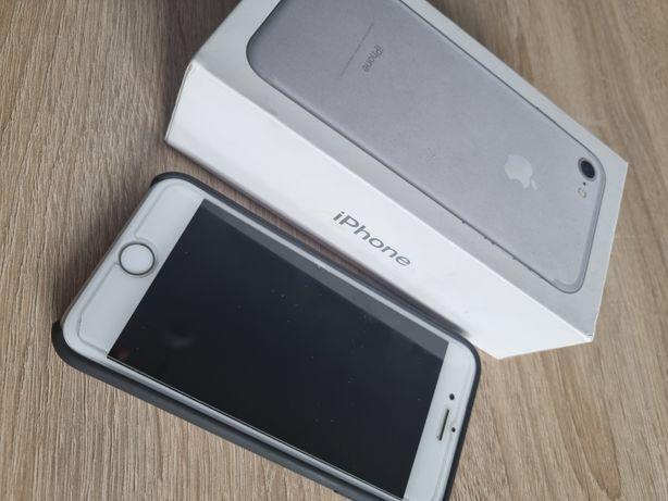 IPhone 7 32GB + etui