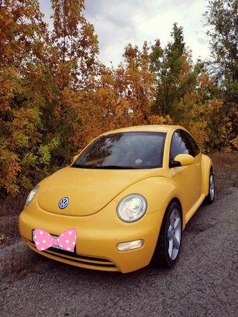 Volkswagen New Beetle (Жук) 1.6 бензин.
