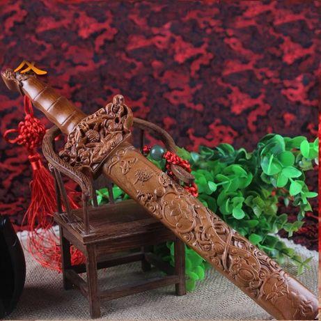 Espada de madeira chinesa