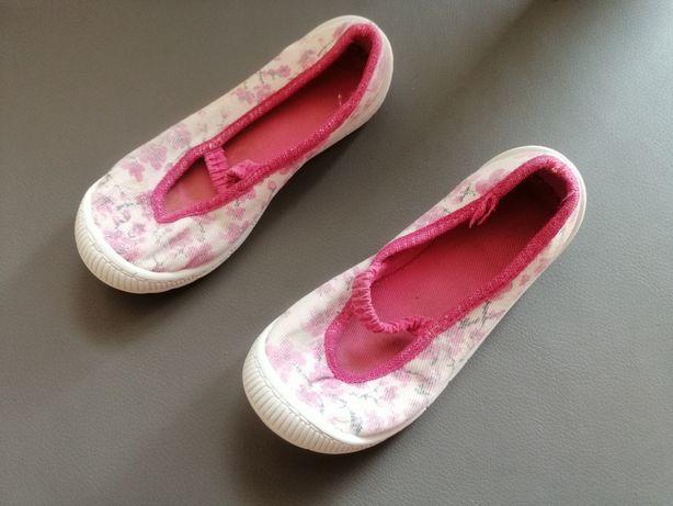 Buty wsuwane dziewczęce