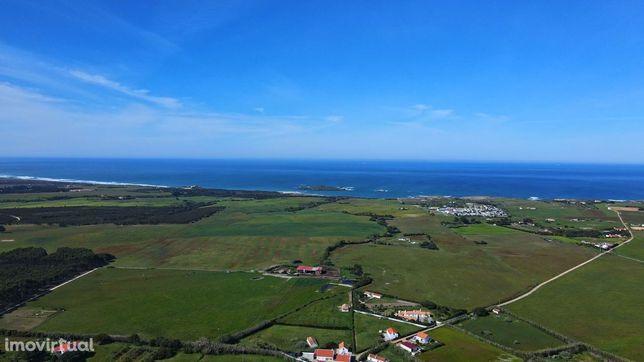 Quinta com vista para a Ilha do Pessegueiro