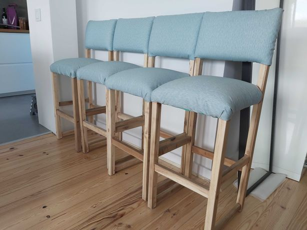 4 cadeiras altas