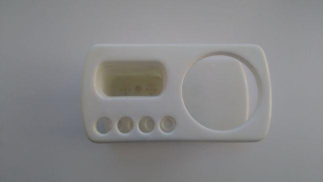 Підставка пластикова для 4 зубних щіток, пасти та стакану.