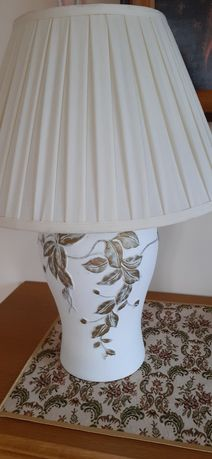 Lampka nocna lub stołowa