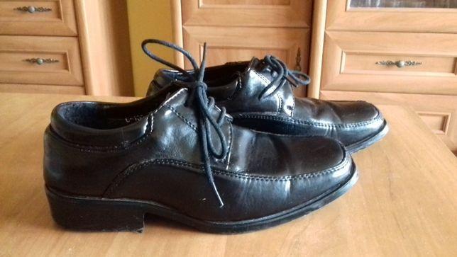 Sprzedam pantofle chłopięce (lakierki) firmy Badoxx,rozm.31